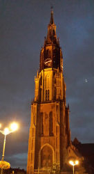 The Nieuwe Kerk at night