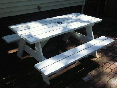 The completed picnic table